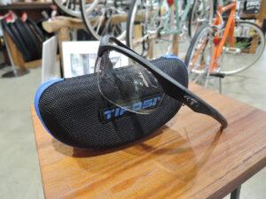 TIFOSI拡大鏡付きサングラス